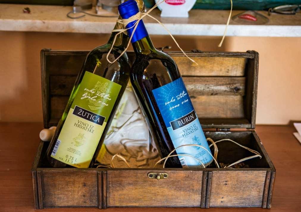 vina žutica pag